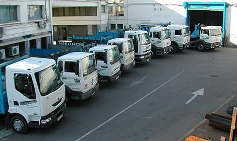 Transporte diario con flota propia de camiones