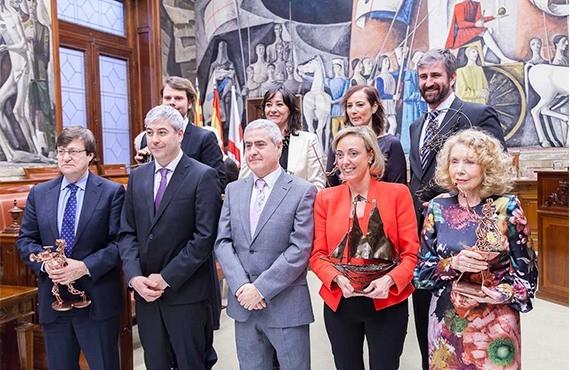 Premio AREA de la Asociación Regional de Autónomos de Aragón a Grupo Hierros Alfonso en la persona de su fundadora Dª Dolores López Martínez